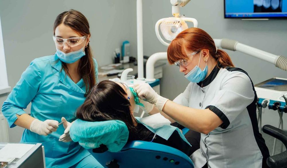 Pourquoi aller dans une clinique dentaire pour se soigner ?